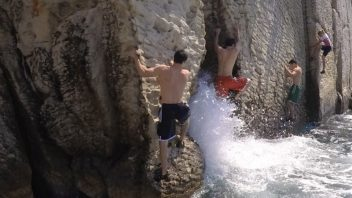 Cliff jumping and dws we adventure